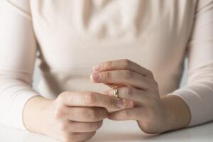 adultery-affair-divorce-settlement